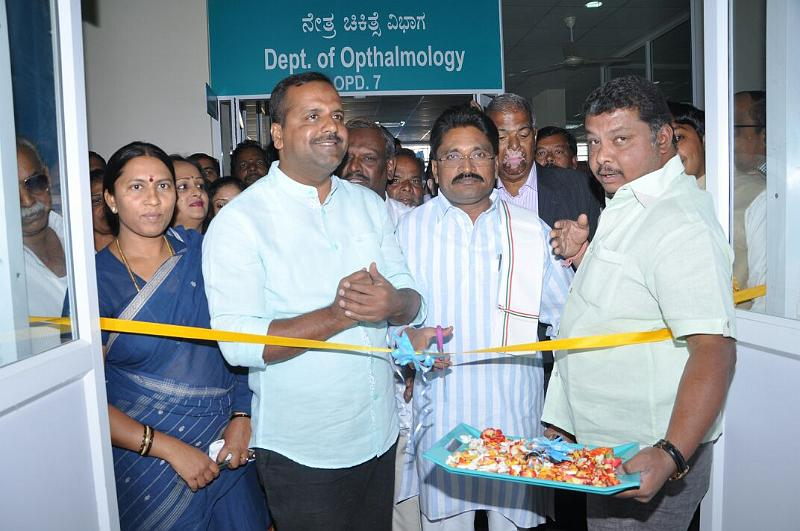 Sambhram Hospital Health Card distribution to KGF Auto Drivers Association Members